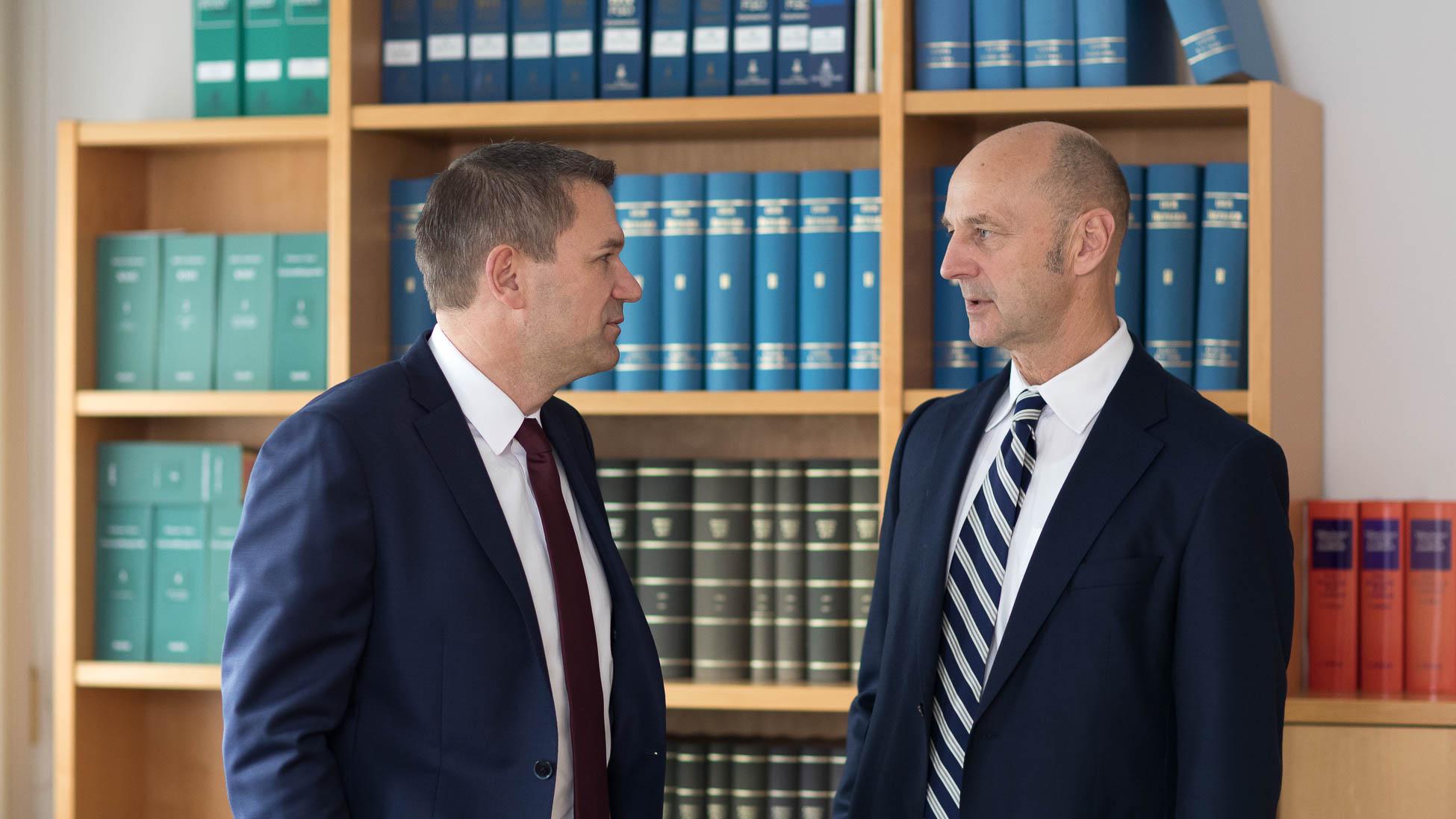 Besprechung Klaus Zieglmeier Franz Stark Kanzlei Zieglmeier und Stark Wirtschaftsprüfer Steuerberater Ingolstadt